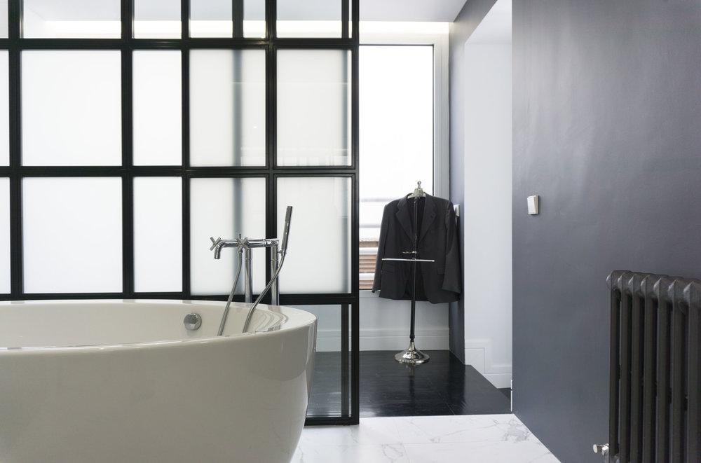diseño reformas slow emmme studio 02 baño principal bañera vivienda Ayala SM.jpg