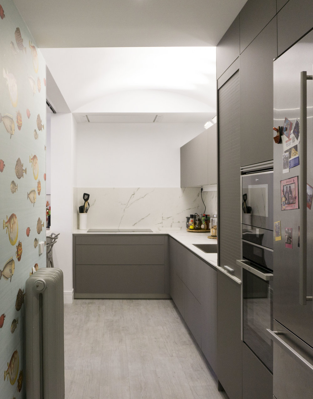 diseño reformas slow emmme studio 04 cocina con papel vivienda Ayala SM.jpg