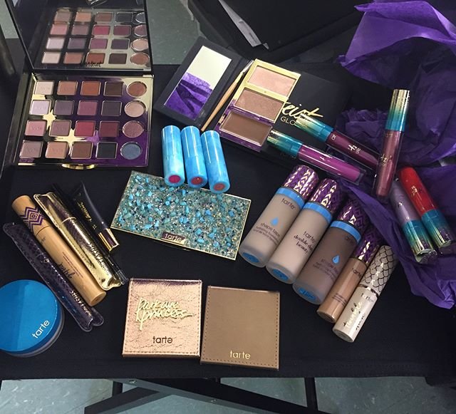A huge thank you to @tartecosmetics for this selection of products. Faces will be set on this feature  #tarte #tartecosmetics #makeup #nycartist #makeup #makeupkit #makeupstation #setup #workspace #mua #beautyshoot #bts #makeupporn #beauty #makeup #instamakeup #cosmetics