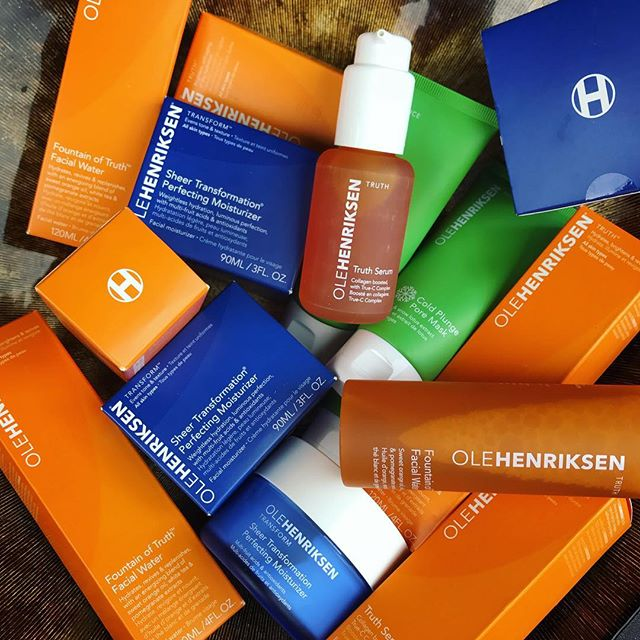 A big thank you to @olehenriksen and @kendobrandsnyc for sending these skin care products. Going straight into the kit! 🔸🔷🔶🔹 #olehenriksen #kendobrands #OleGlow #skincare #skinprep #makeup #makeupkit #makeupstation #taketheplunge #workspace #mua #filmshoot #bts #makeupporn #beauty #makeup #featurefilm #cosmetics