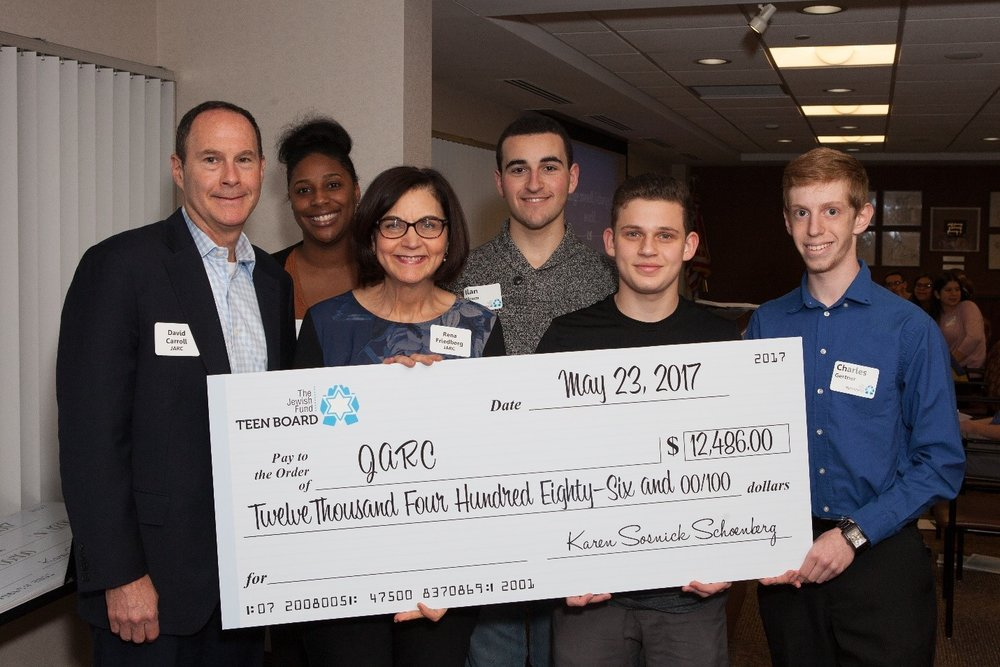 (L to R): David Carroll, JARC Board President, Monee Whitney, JARC LinkUp Coordinator, Rena Friedberg JARC Chief Philanthropy Officer, and Teen Board Members Ilan Elrom, Hugh Camiener, Charles Gertner.  (photo courtesy of John Hardwick)