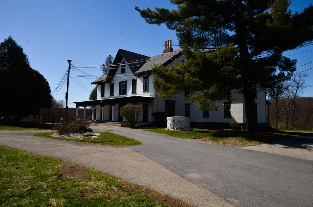 bland house 3.jpg