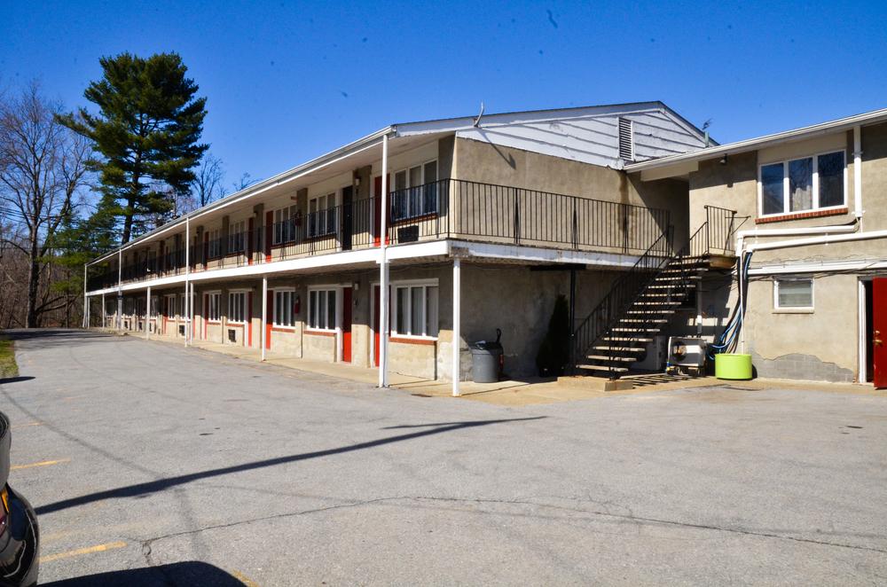 Irons Motel 3.jpg