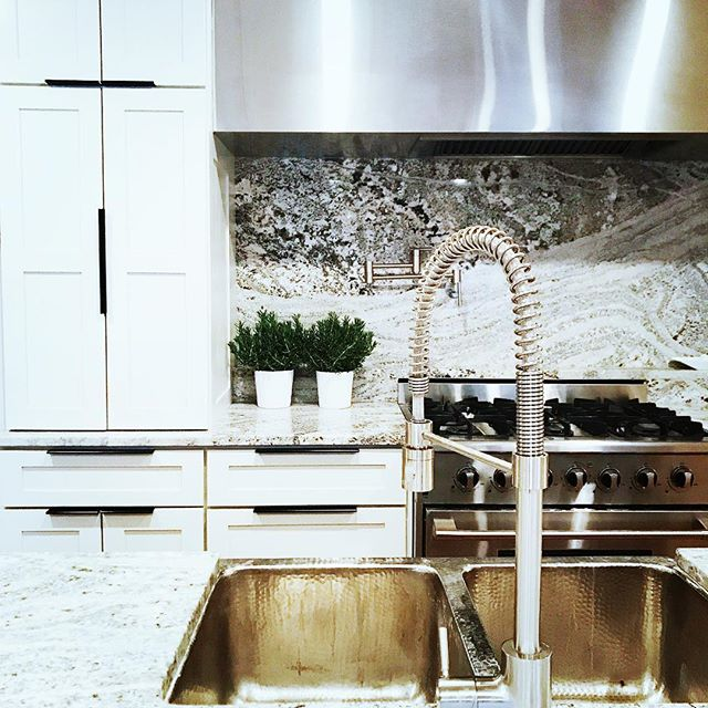 That time that nickel hammered sink knocked your socks off!! It really is true, great clients mean absolutely dynamite projects! #kitchen #reno #designer #kitchenreno #nickel #thathoodthough #interiors #remodel #design #interiordesign #stone