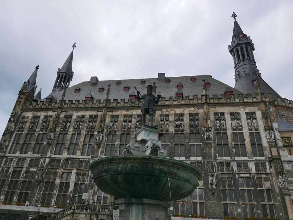 Rathaus with fountain