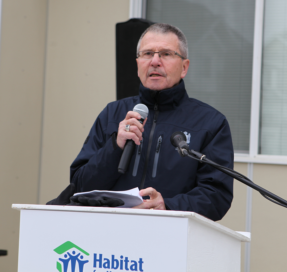 Saying a few words at the latest HFH event. Sept. 23/2016