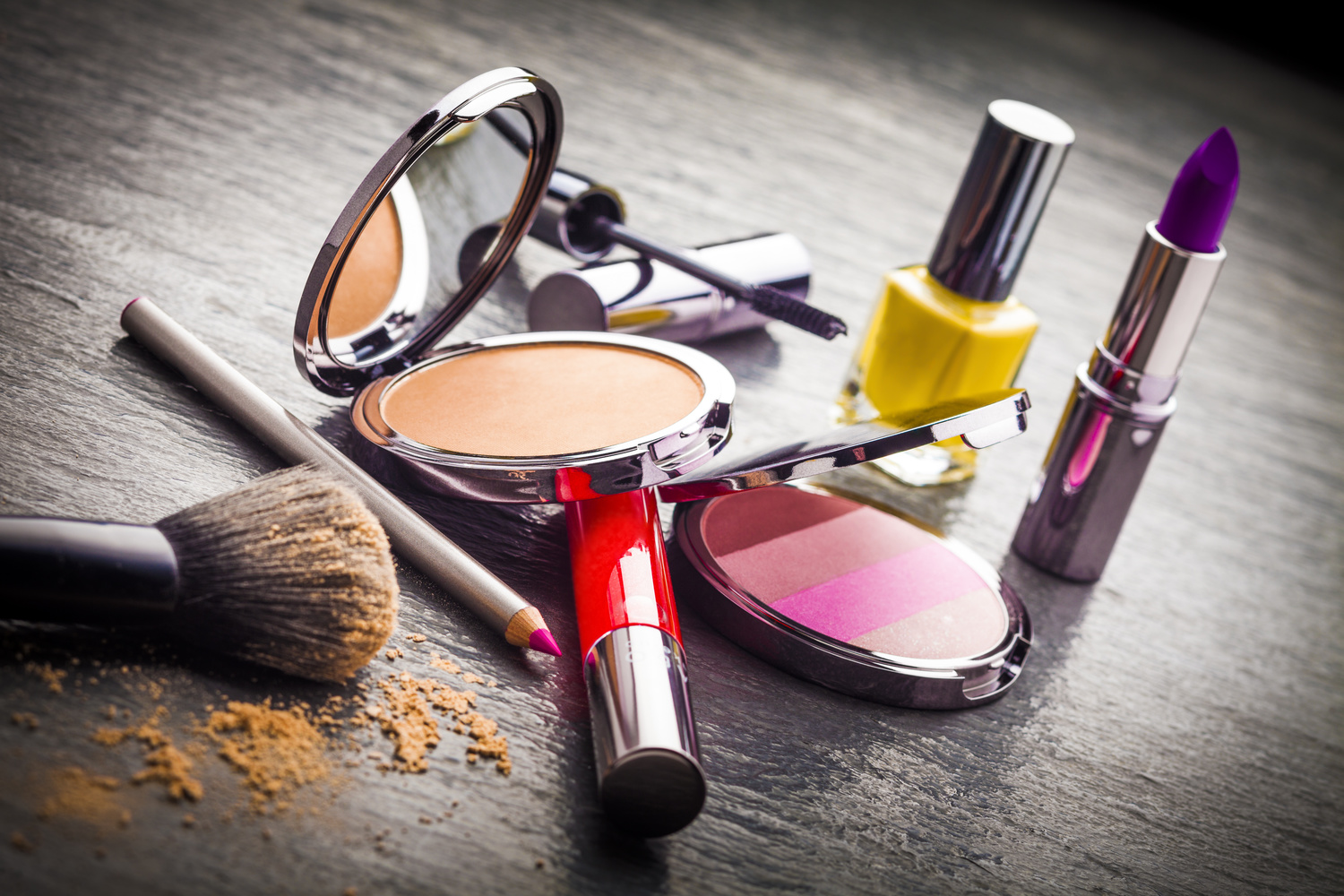 Do You Tip Your Makeup Artist Or Hair Stylist Warpaint International Beauty Agency Luxury And Excellence In Hair Makeup Artistry