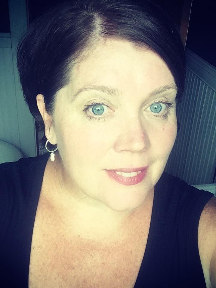 Kathy Rosen. Modere Social Marketer.