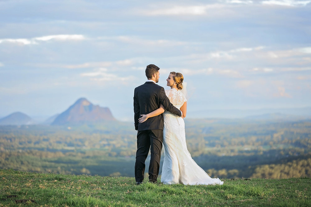 Real Wedding Submissions: Fallyn and Grant's Dreamy Hinterland Wedding