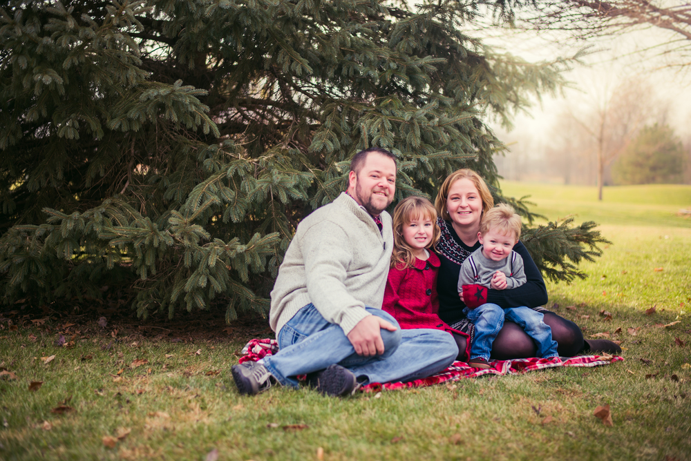 By Kara Photo-Family-Family Photography-Portrait Photography-Central Illinois-Central Illinois Wedding and Portrait Photographer-Watseka Illinois Photographer-Iroquois County Family Photographer-Holiday Mini Sessions