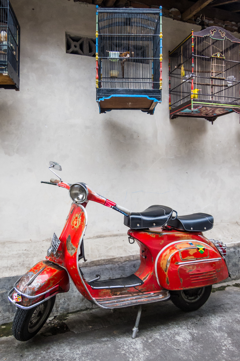old-scooter-in-java.jpg