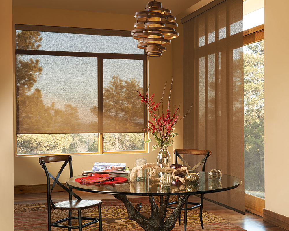 <p><strong></strong>Alustra Roller Shades
