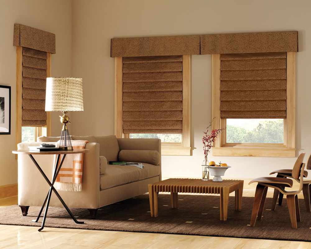 <p><strong></strong>Design Studio Roman Shades