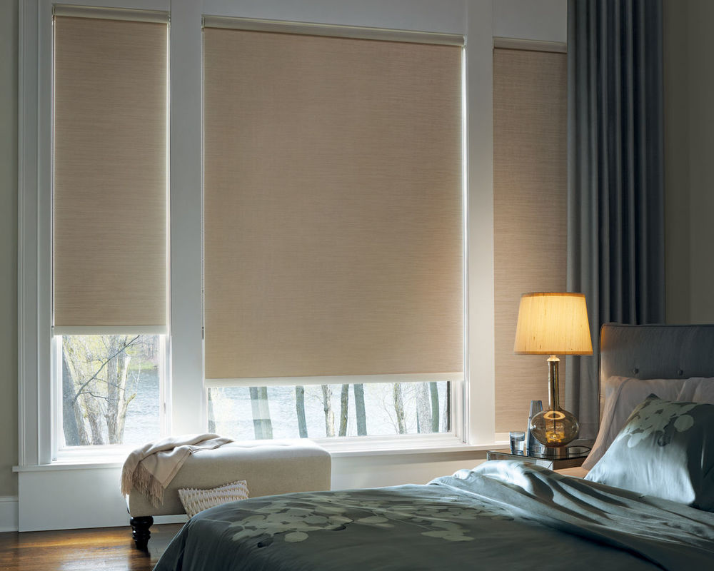 <p><strong></strong>Designer Roller Shades