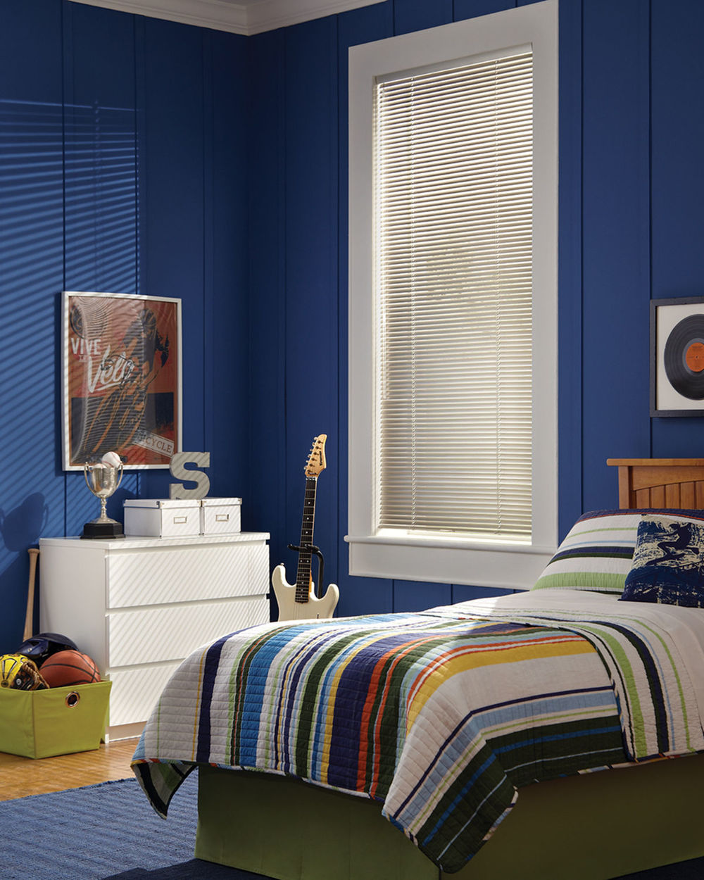 <p><strong></strong>Decor Blinds