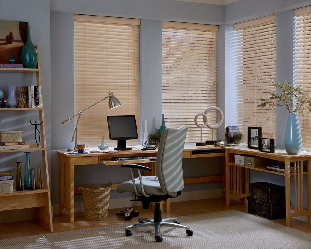 <p><strong></strong>EverWood TruGrain Blinds