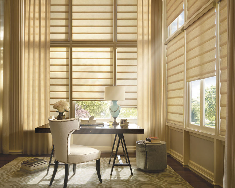 <p><strong></strong>Vignette Modern Roman Shades