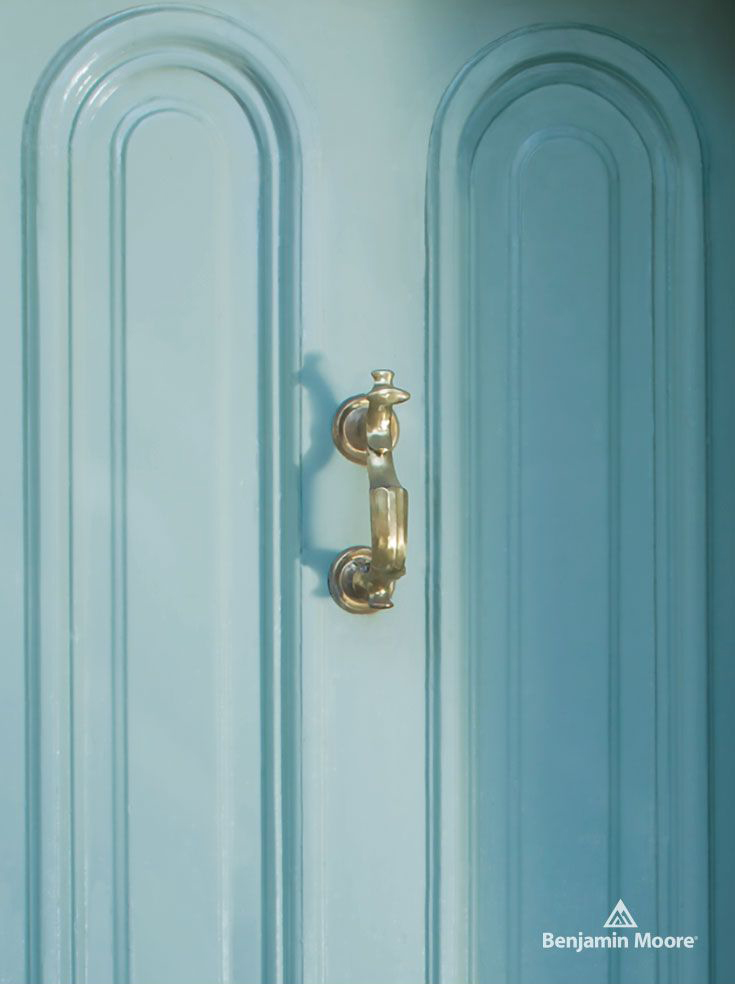 <p><strong></strong>Benjamin Moore Aura Venetian Sky High Gloss