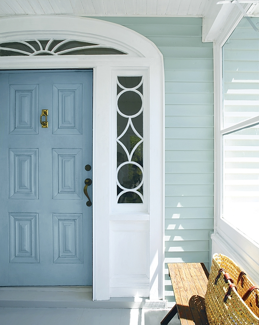 <p><strong></strong>Benjamin Moore Grand Entrance, HC-145, High Gloss