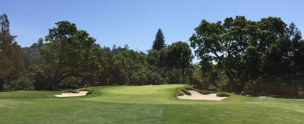 Hole 14 at Orinda before this year's work, where there was a missed opportunity on the left for a neat interaction between green and bunker