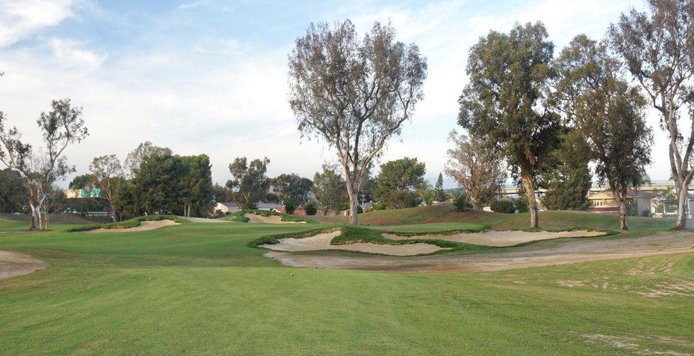 Hole 17 bunkering, Santa Ana CC