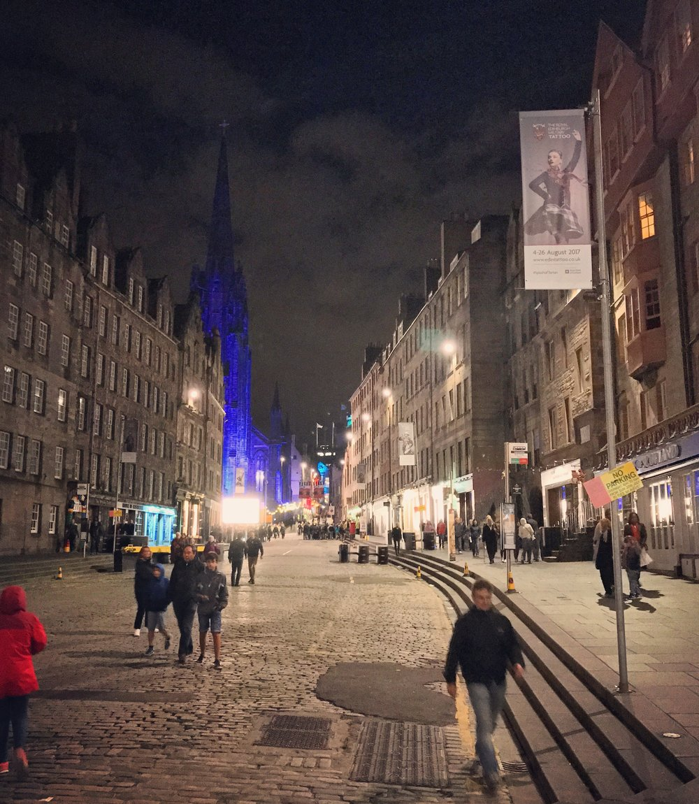 hochstein-design-best-of-2017-part-2-edinburgh-royal-mile-night.jpg
