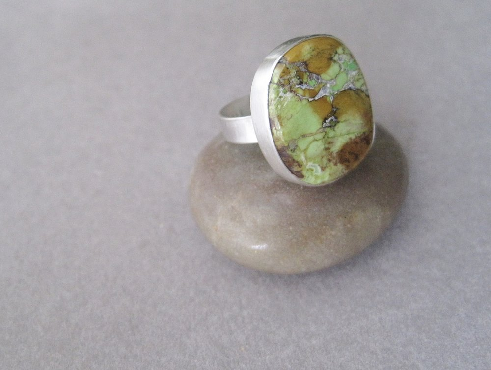 Gaspeite stone and sterling silver ring