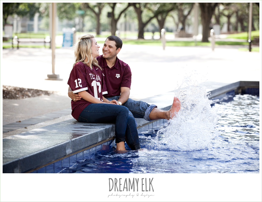 funny rudder fountain engagement photo