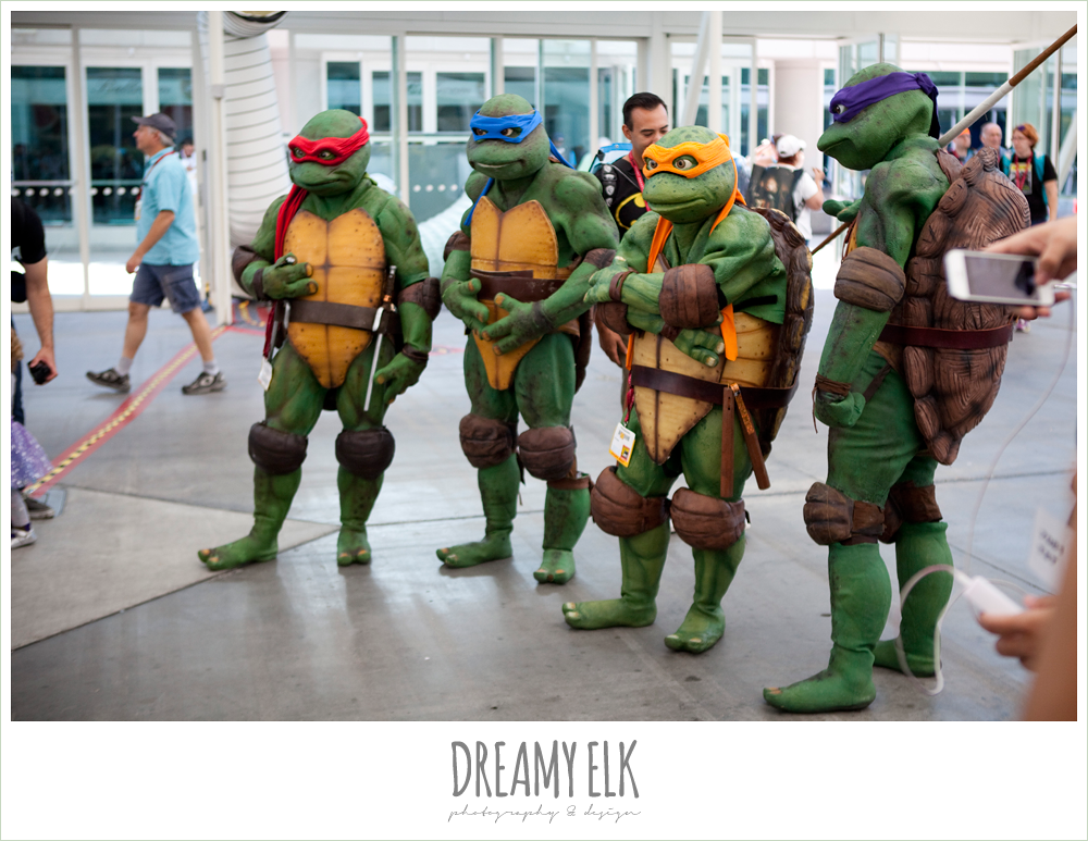 teenage mutant ninja turtle group costume, comic con 2014