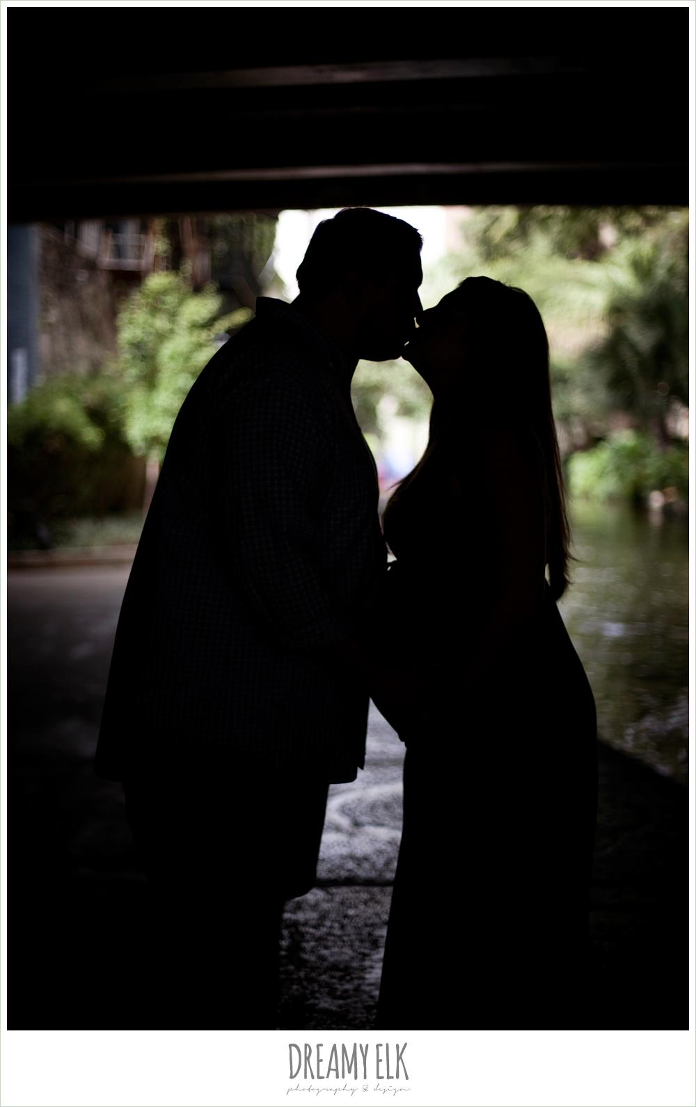 san antonio riverwalk, silhouette maternity photo