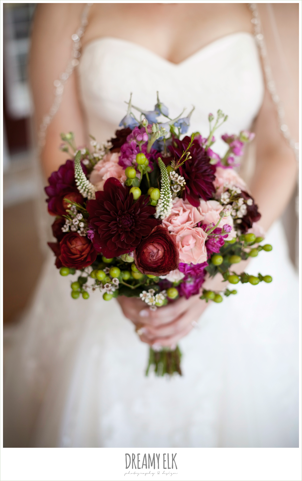 busy lil bee florals, fall wedding bouquet, dreamy elk photography and design