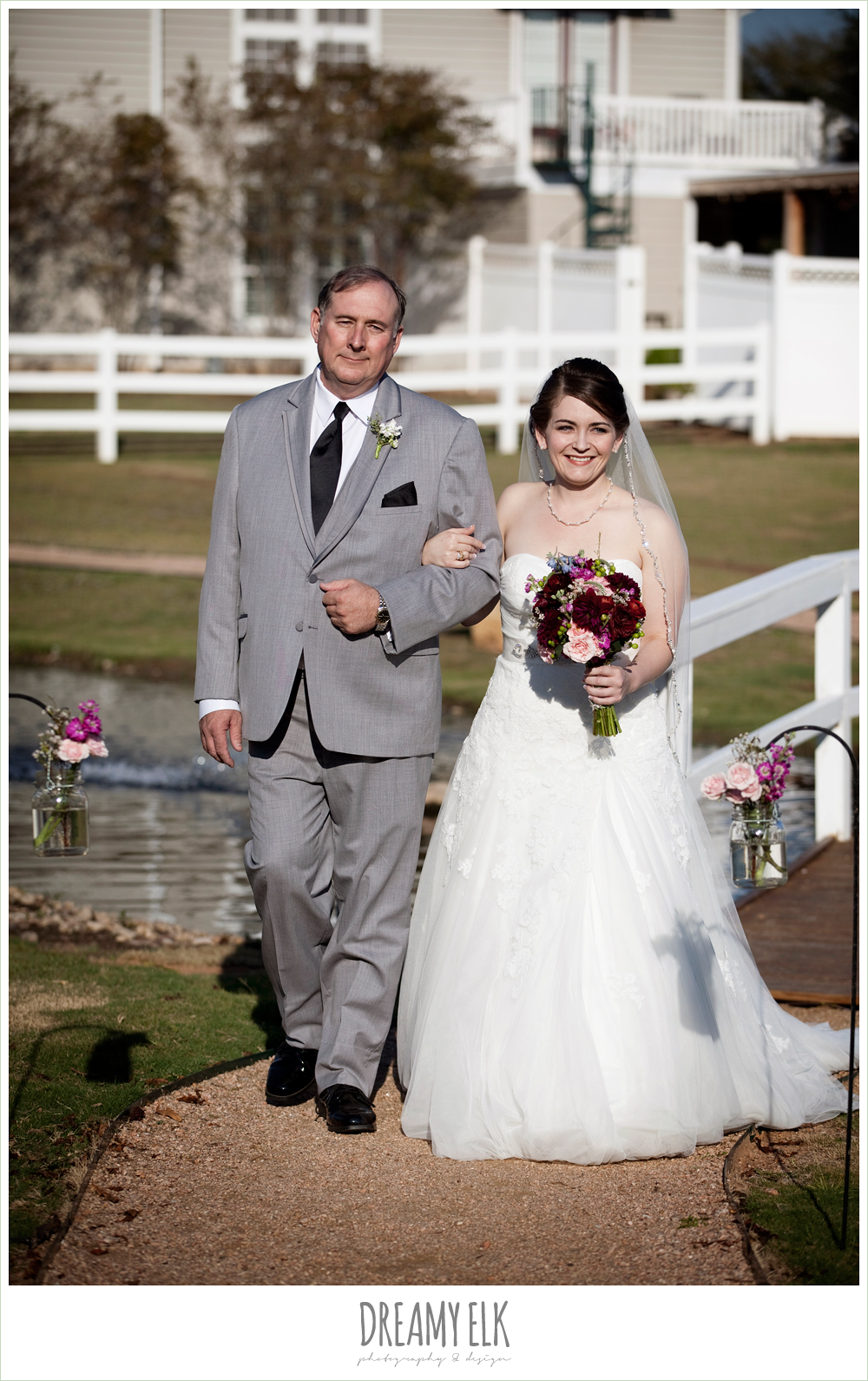 bride and dad walking down the aisle, october wedding, inn at quarry ridge, dreamy elk photography and design