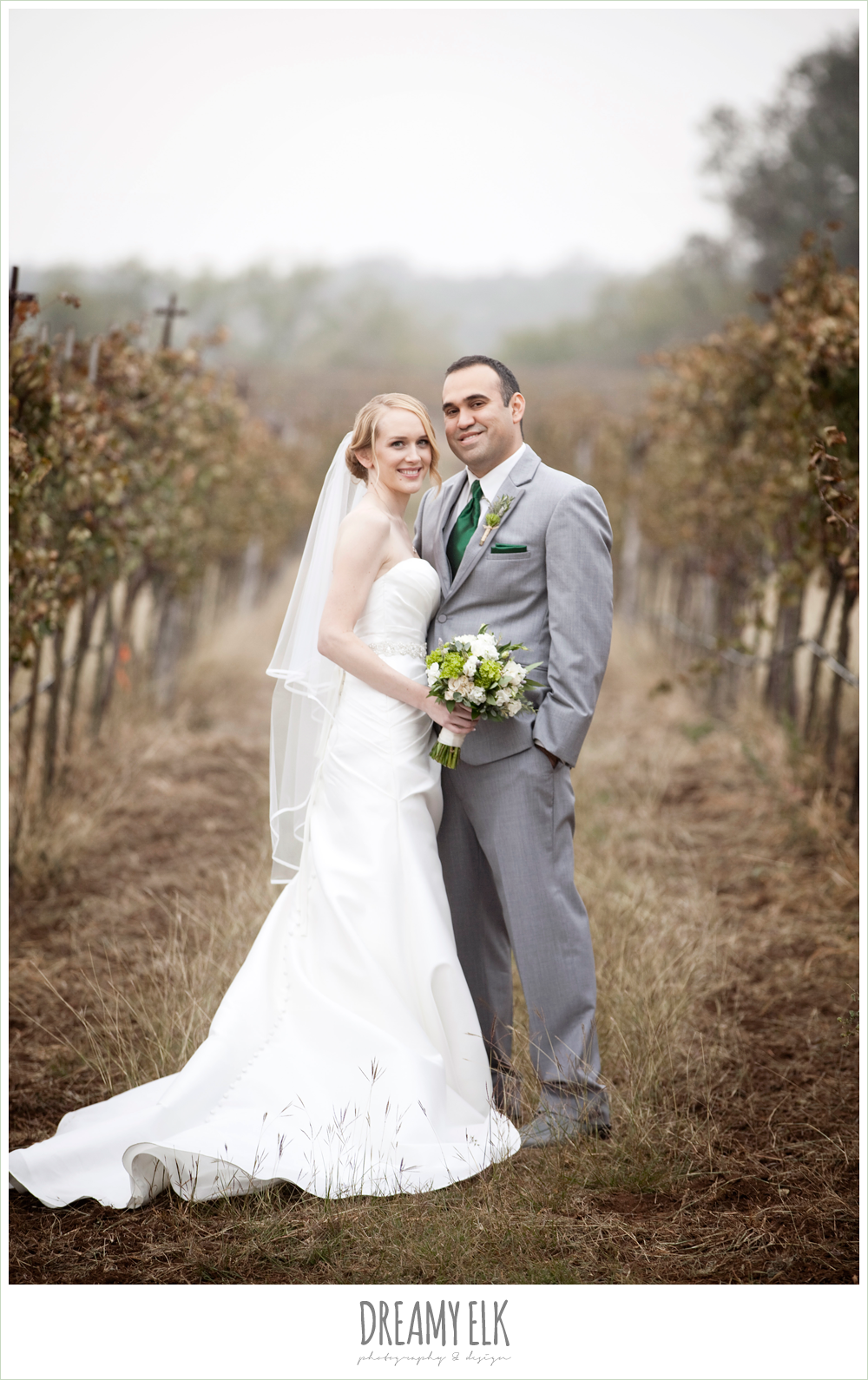bride and groom, winter vineyard wedding, dreamy elk photography and design