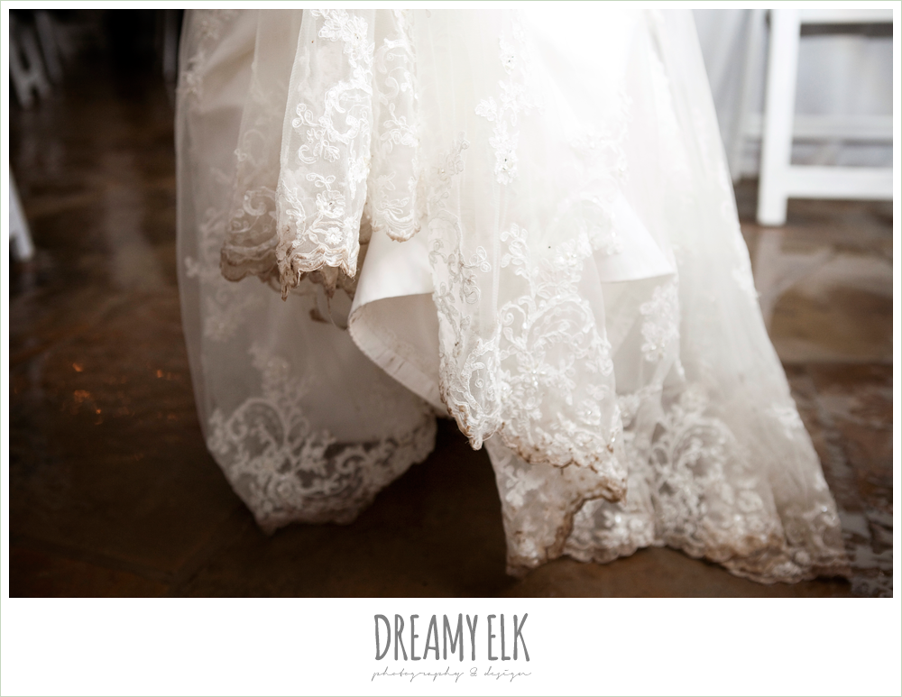 dirty wedding dress, rainy fall wedding, rock lake ranch, dreamy elk photography and design