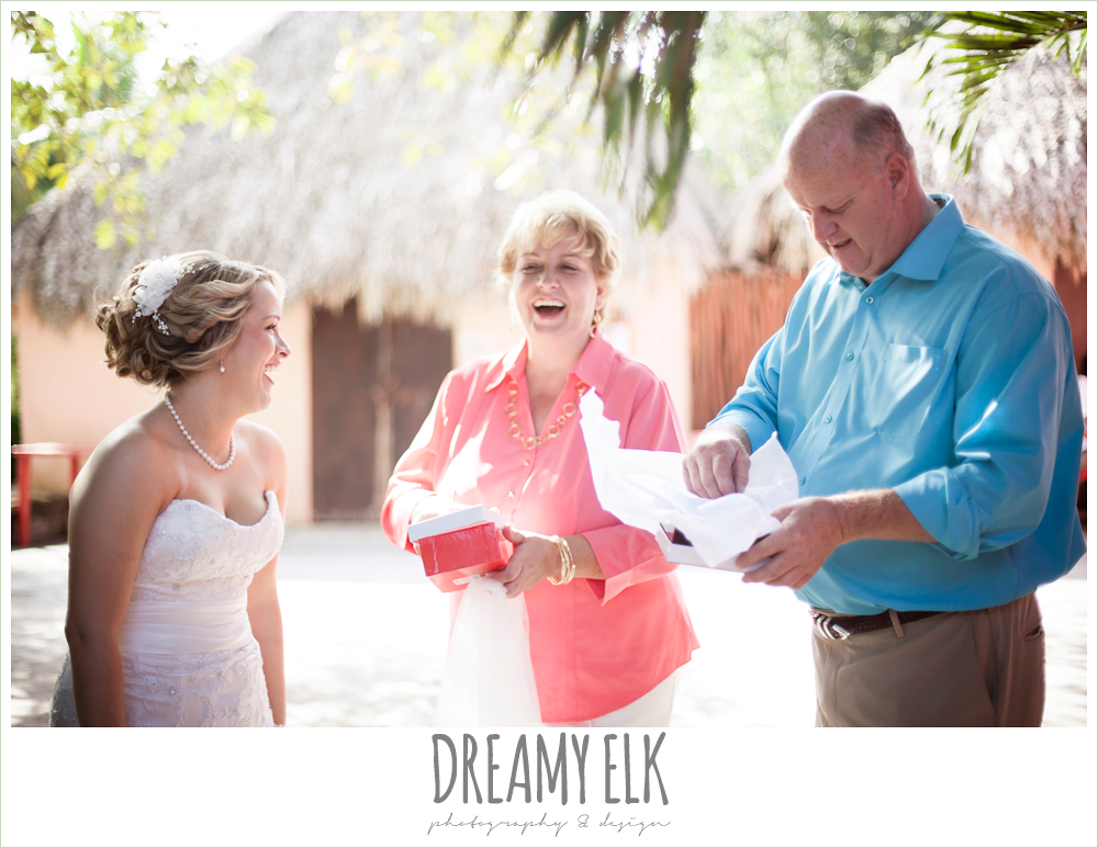 bride and parents, destination wedding, cozumel {dreamy elk photography and design} photo