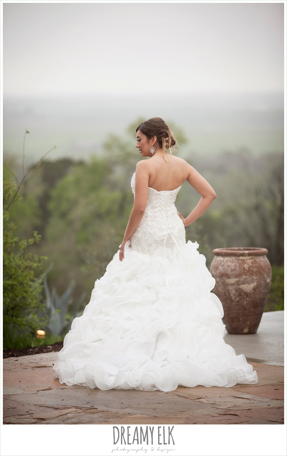 foggy wedding day, sweetheart strapless ruffle skirt wedding dress, austin spring wedding {dreamy elk photography and design}