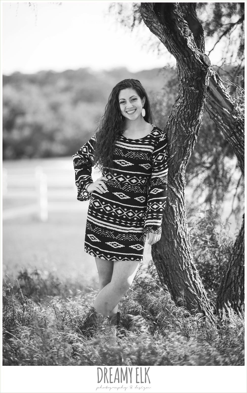 outdoor high school senior photo, austin, texas {dreamy elk photography and design}