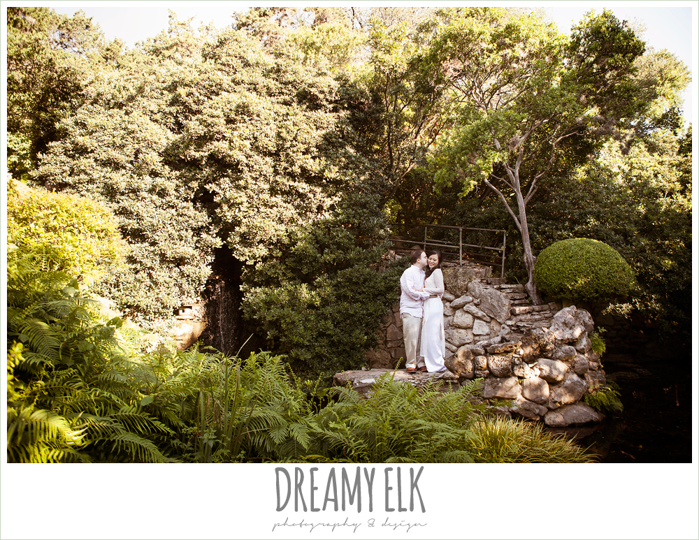 outdoor morning engagement photo, zilker botanical garden, austin, texas {dreamy elk photography and design}