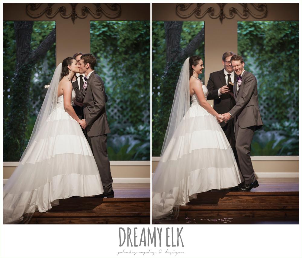 indoor wedding ceremony, heather's glen summer wedding photo, houston, texas {dreamy elk photography and design}