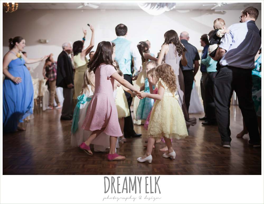 little kids dancing at wedding reception, indoor wedding reception, magnolia lake, summer wedding photo {dreamy elk photography and design}