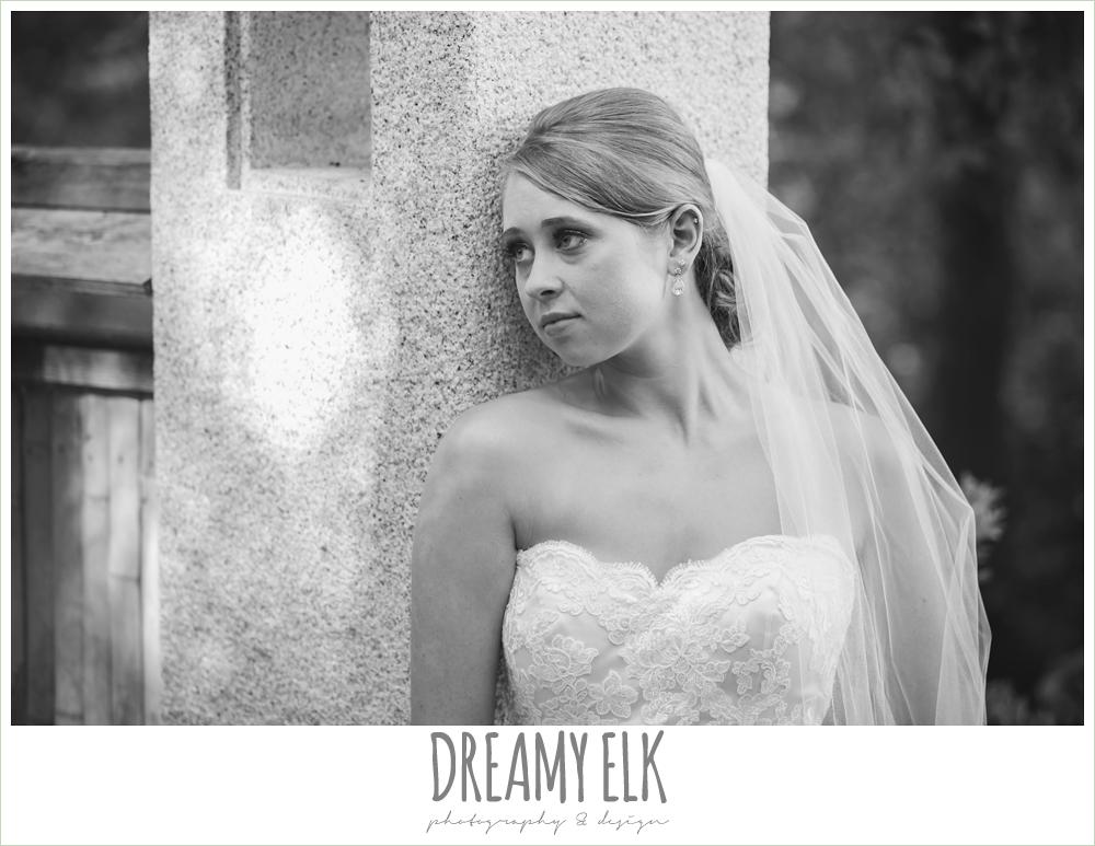 lace strapless wedding dress, summer outdoor bridal photos, zilker botanical gardens, austin, texas {dreamy elk photography and design}
