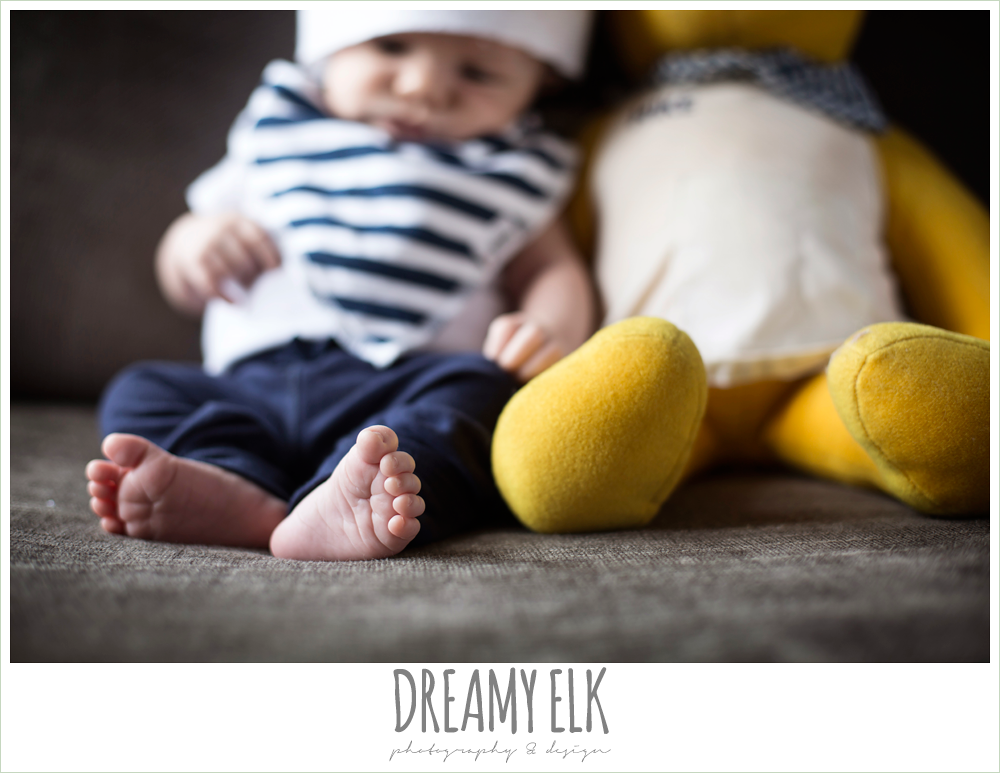 indoor one month baby boy photo