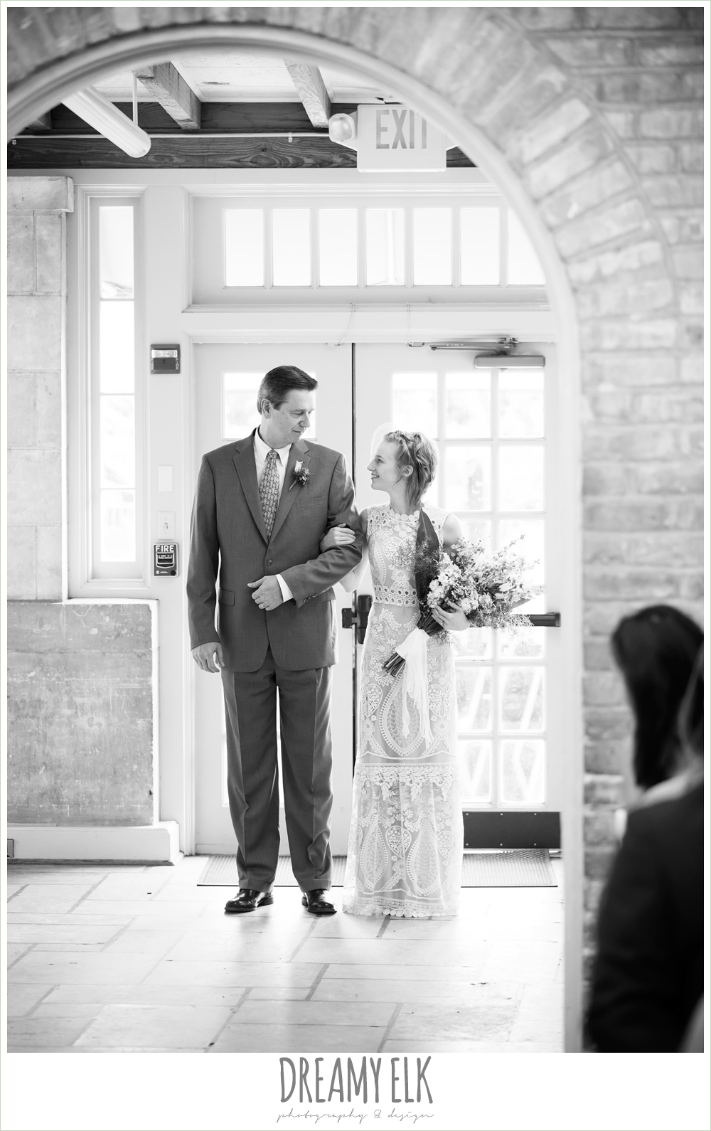 bride and dad walking down the aisle, spring wedding, austin, texas {dreamy elk photography and design}