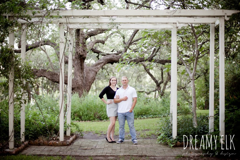 outdoor september engagement photo, casual wardrobe, austin texas wedding photographer, {dreamy elk photography and design}