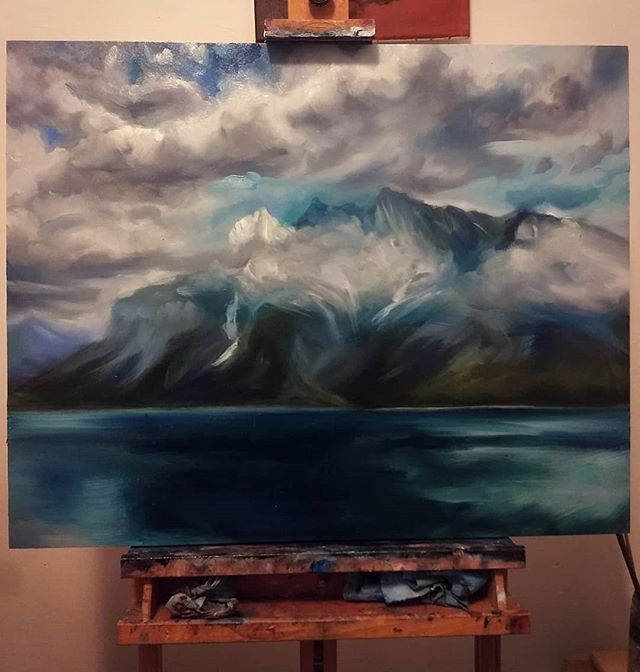 Channeling my #bobross for some #wip landscape action . .  #inprogress #landscape #laceyjane #laceyjaneart #rockymountains #albertagirl #alberta #painting #oil #oilpainting #landscapepainting #blueonblue #oilpainter #art #nature #mountains #wishiwasthere
