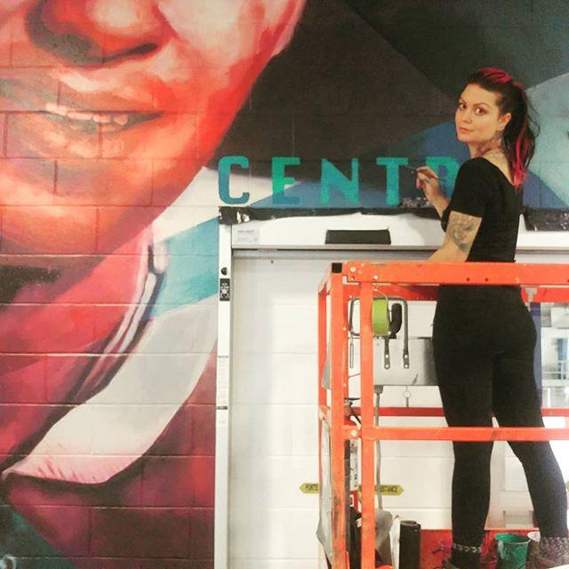 #muralmodel #lasallemurals #laceyandlaylaart #womenpaint #muraltime #hockeyart #muralart #paintingbig #womenpainting #murals #montrealart #streetart #mural #muralmtl #mtlart #canadianmural