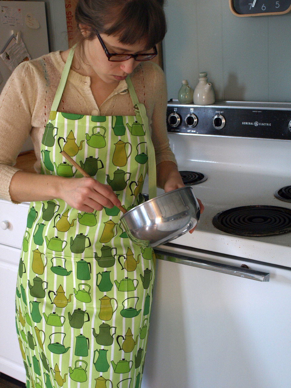 Finished sewing! And on to baking! Green apron with my teapot fabric design. Available on etsy!