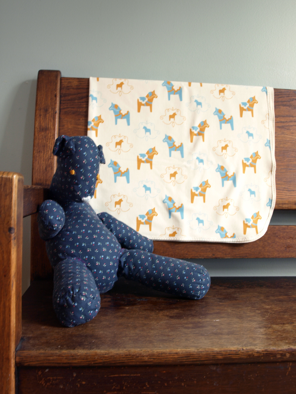 Swedish Dala horse Organic baby blanket in jersey cotton.