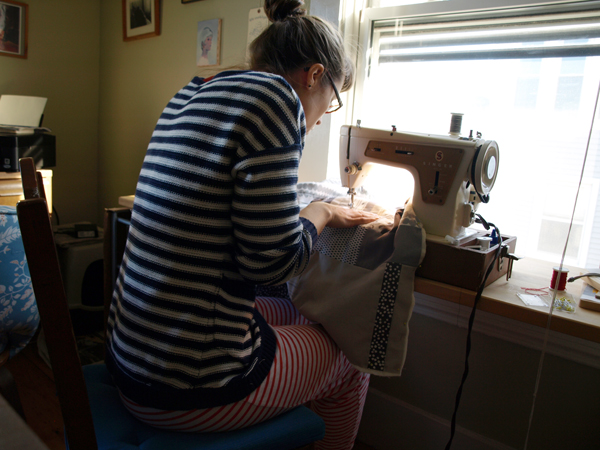Early morning quilting in pijamas.