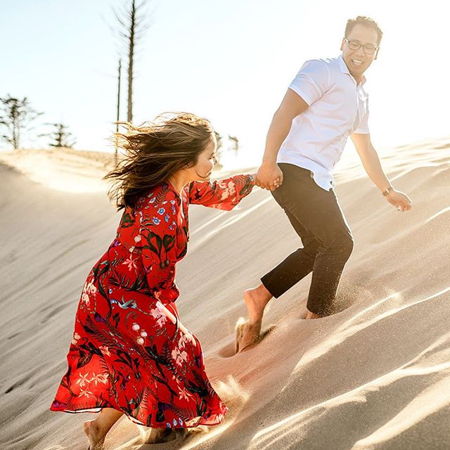 Going to one of my favorite places ever today for an engagement session and couldn't be more excited about it😻❤️ I am SO ready to have sand everywhere lol . . . . . . . . #loveintentionally  #loveauthentic #firstandlast #photobugcommunity  #thatsdarling  #ftwotw  #elopementphotographer  #weddingphotographer #everydayIBT #weddingphoto  #weddingdayready #elopement #dirtybootsandmessyhair #authenticlovemag #junebugweddings #belovedstories #destinationweddingphotographer  #weddinginspiration  #portlandweddingphotography #oregonweddingphotography  #coast #capekiwanda